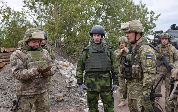 Головнокомандувач ЗС Швеції відвідав Донбас