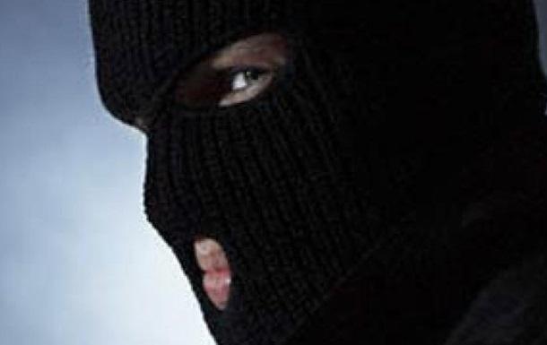 ВКиеве двое вмасках украли изавтомобиля сумку смиллионом грн