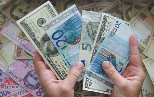 Украинцы в сентябре активно избавлялись от валюты