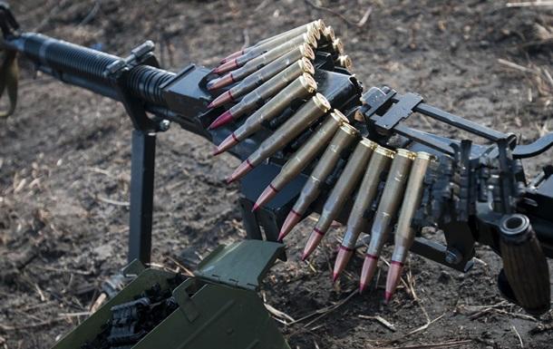 АТО: 19 вражеских обстрелов, около Песок ранен украинский воин