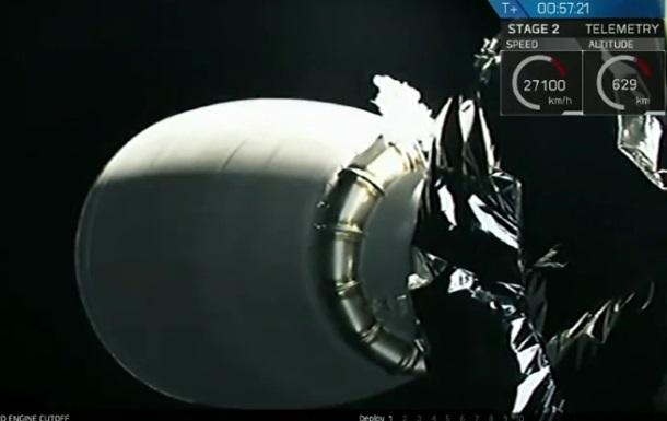 SpaceX запустила ракету Falcon 9 со спутниками