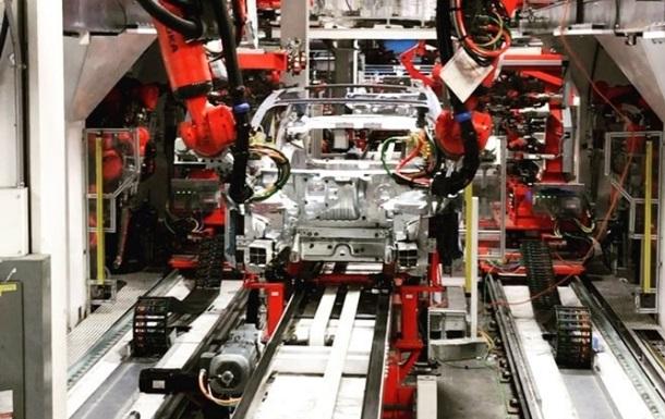 Маск показал на видео производство Tesla Model 3