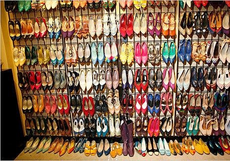 200 пар туфель