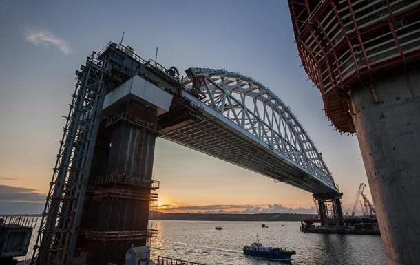 На Керченский мост установили вторую арку