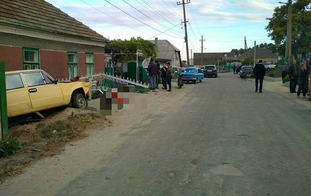 На Одесчине пьяный водитель убил трех старушек на лавочке