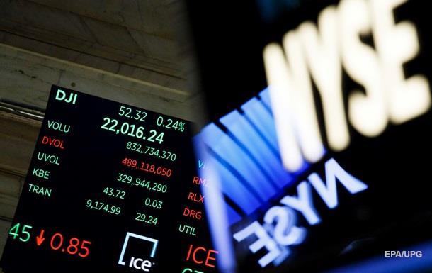 Фондовый индекс Dow Jones впервый раз превысил отметку в23 тысячи пунктов