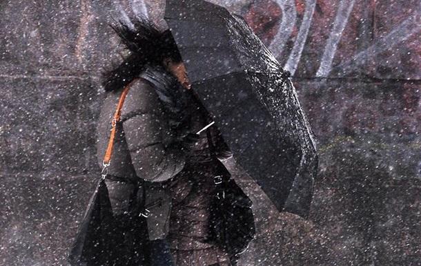 Погода назавтра: Україну накриють холодні дощі