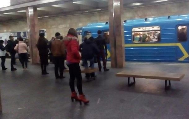 Стали известны детали падения человека под поезд метро