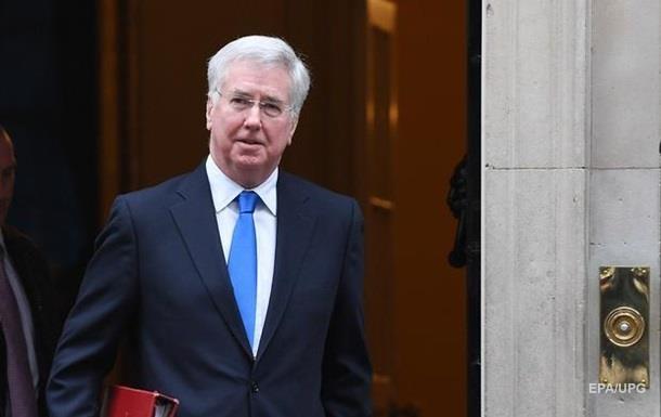 СМИ назвали реальную причину отставки министра обороны Англии