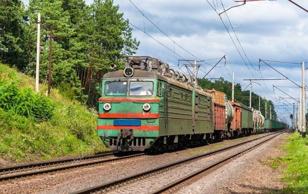 В Харьковской области поезд насмерть сбил женщину