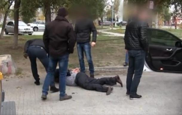 Узапорожского бизнесмена  добивались  $20 000