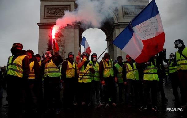 Протесты в Париже: задержаны более 100 человек