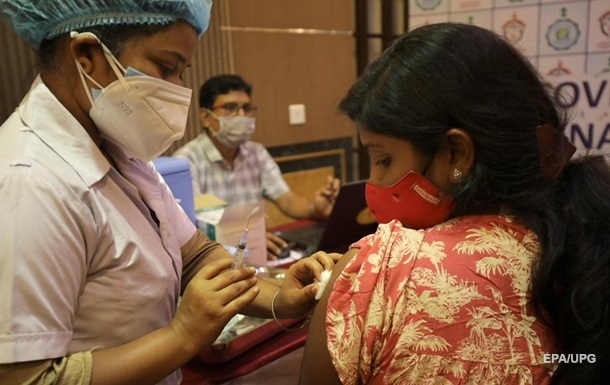 Индия опередила США по количеству COVID-прививок