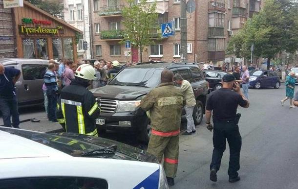 У центрі Києва вибухнув джип