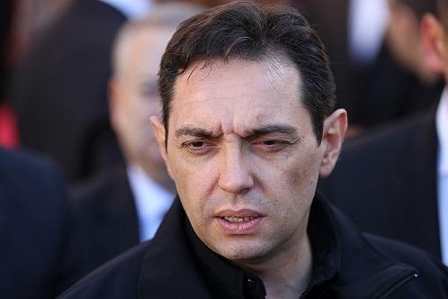 Министр обороны Сербии объявил , что Автомайдан создали западные спецслужбы
