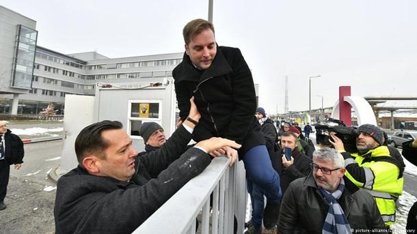 """""""Рабский закон"""". Тысячи венгров вышли на протесты"""