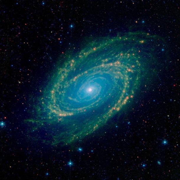 NASA показало красочное инфракрасное изображение галактики