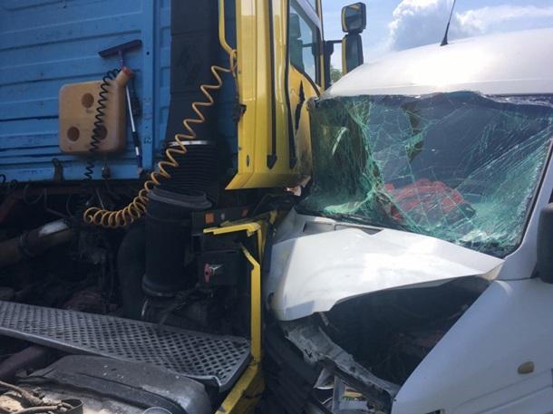 На Винничине произошла авария из-за пьяного пассажира маршрутки