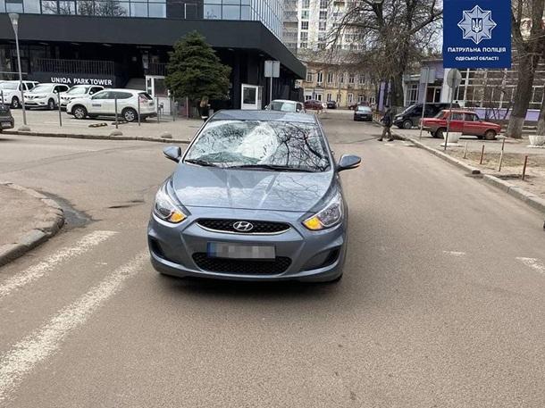 В Одессе водитель сбил трех человек на переходе и скрылся1