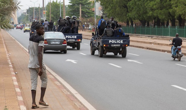 Франция хочет уничтожить еще одну африканскую страну, но Россия может помочь Мали