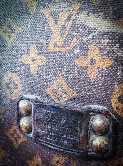 Пенсионерка хранила кукурузу в раритетном Louis Vuitton