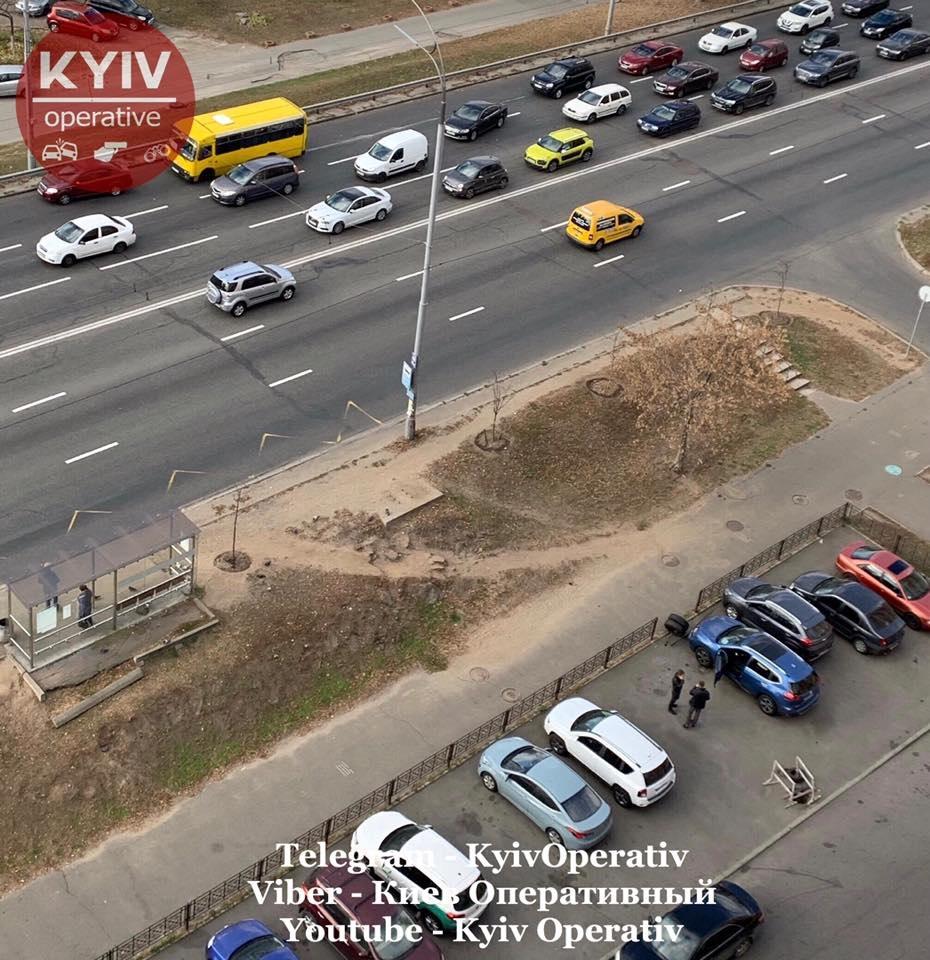 В Киеве у маршрутке на ходу отвалились колеса