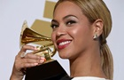 Forbes назвал самых богатых певиц года