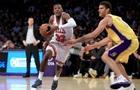 НБА: Лейкерс вырвали победу у Чикаго