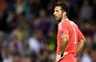 Буффон после матча с Барселоной подарил болельщику свои шорты