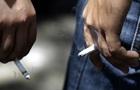 Росіяни відмовляються від дорогих сигарет на користь махорки