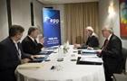 Порошенко та Юнкер обговорили фінансовий пакет для України