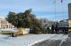 У Золотоноші впала головна ялинка міста