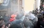 Послы Канады и Британии осудили действия сторонников Саакашвили