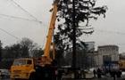 Кишиневу повернуть гроші за поламану українську ялинку
