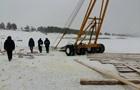 В России утонул бензовоз, а следом за ним автокран и трактор