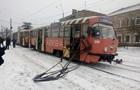В Днепре у трамвая на ходу отвалился токоприемник