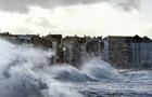 Украинцев предупредили о шторме в Европе