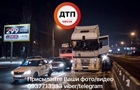 В Киеве на ходу загорелась фура