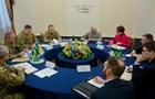 Муженко рассказал Волкеру о ситуации на Донбассе