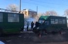 В Чернигове маршрутка врезалась в троллейбус: 12 пострадавших
