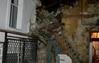 В Одессе обрушилась часть стены жилого дома