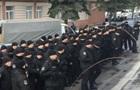 Полицейские устроили молчаливый флешмоб у здания суда