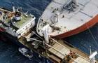 В водах Китая столкнулись два судна, одно из них затонуло