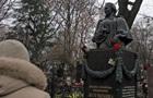 В Киеве снова осквернили могилу Леси Украинки