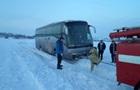 Под Киевом в занос попал автобус с иностранцами