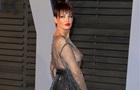 Певица пришла на вечеринку Оскара в  голом  платье