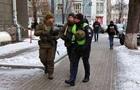 В Киеве на улицы вывели воруженные патрули