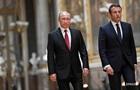 Макрон обсудил с Путиным ситуацию в Украине