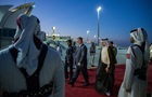 Порошенко прибув з візитом у Катар