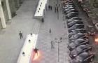 В Москве мужчина бросал  коктейли Молотова  и загорелся